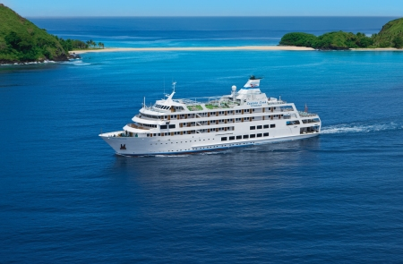 CC MV Reef Endeavour in Fiji 2