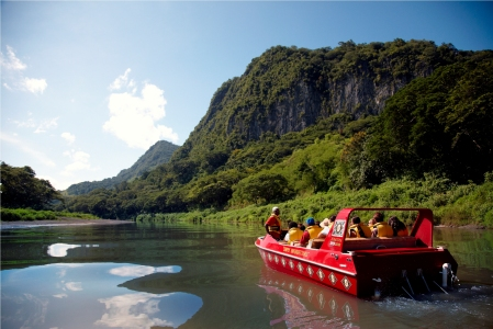 Sigatoka River Safari_Captain Jack at the Rockface