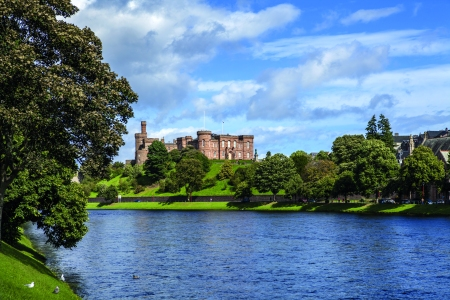 Le Boat_2016_Images_P45_02_Scotland_Inverness Castle